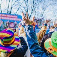 Karneval/Menschen beim Karnevalsumzug